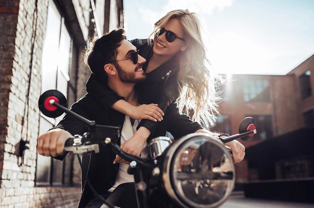 Google bril dating online dating Lloydminster